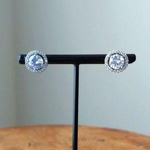 White Rhodium Cluster Earrings set